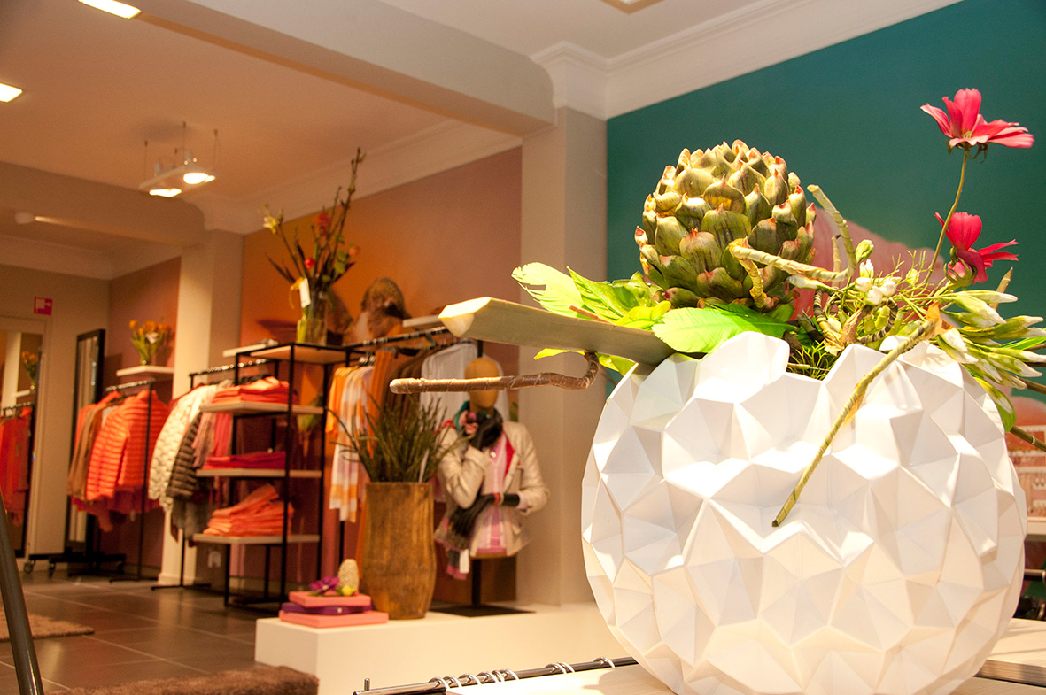 daisy-vd-heuvel-M51-retail-hoogenboom-women-vaas