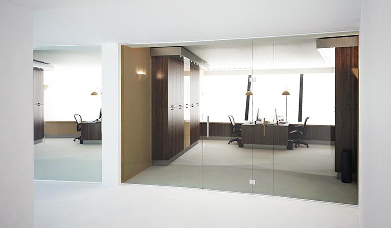 daisy-vd-heuvel-M51-kantoor-creme-glazen-wand