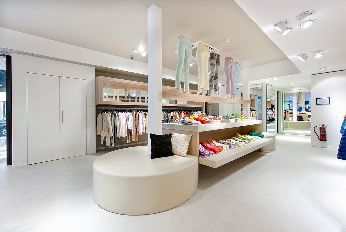 daisy-vd-heuvel-niek-jansen-M51-retail-pantalon-afdeling
