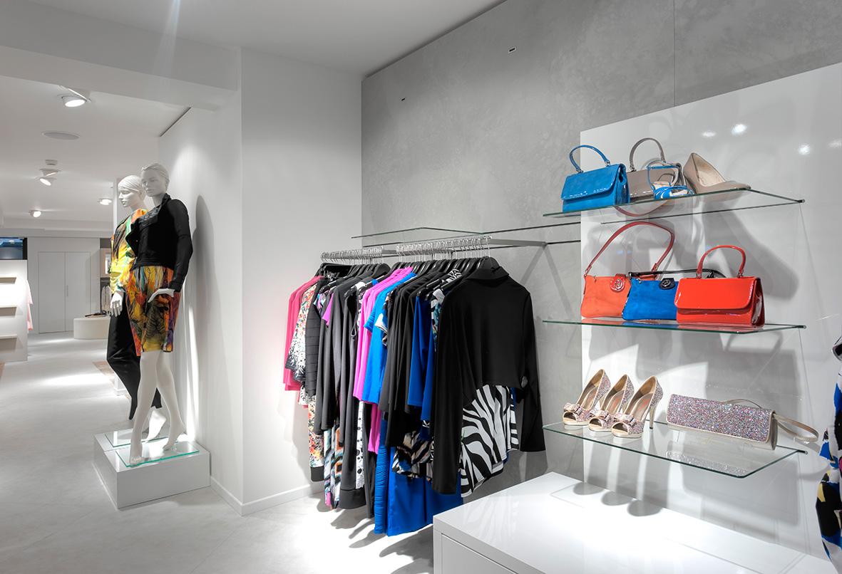 daisy-vd-heuvel-niek-jansen-M51-retail-wand-presentatie