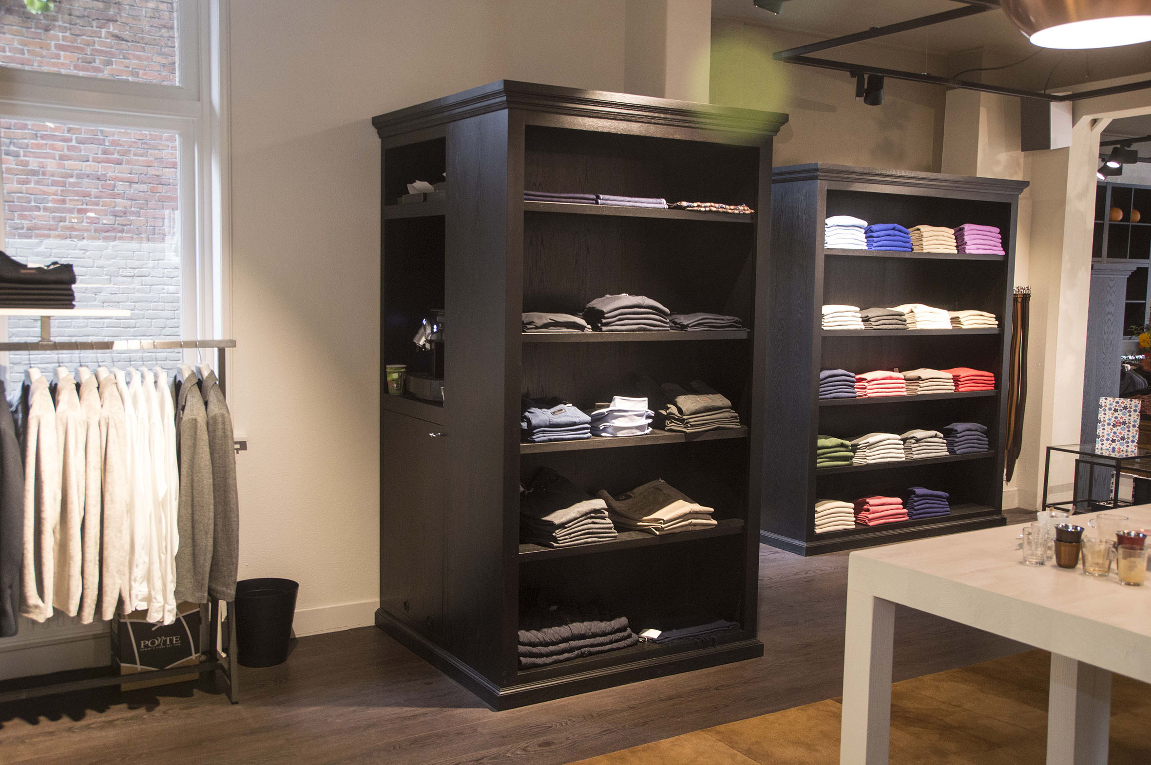 daisy-vd-heuvel-Alexander-M51-Retail-maatwerk-kast